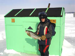 LuckysSons - Ice fishing  fish hut and cottage rentals